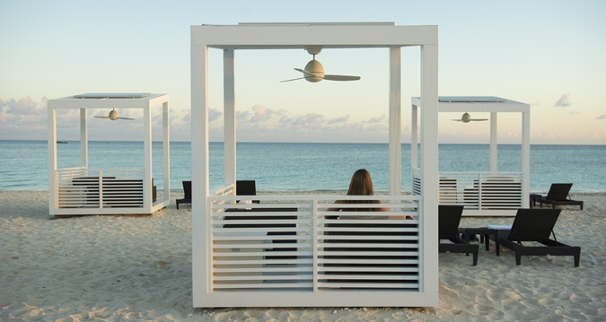 HH_beachcabanas_11_675x359_FitToBoxSmallDimension_Center